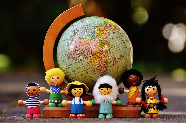 different-nationalities-1743392_640